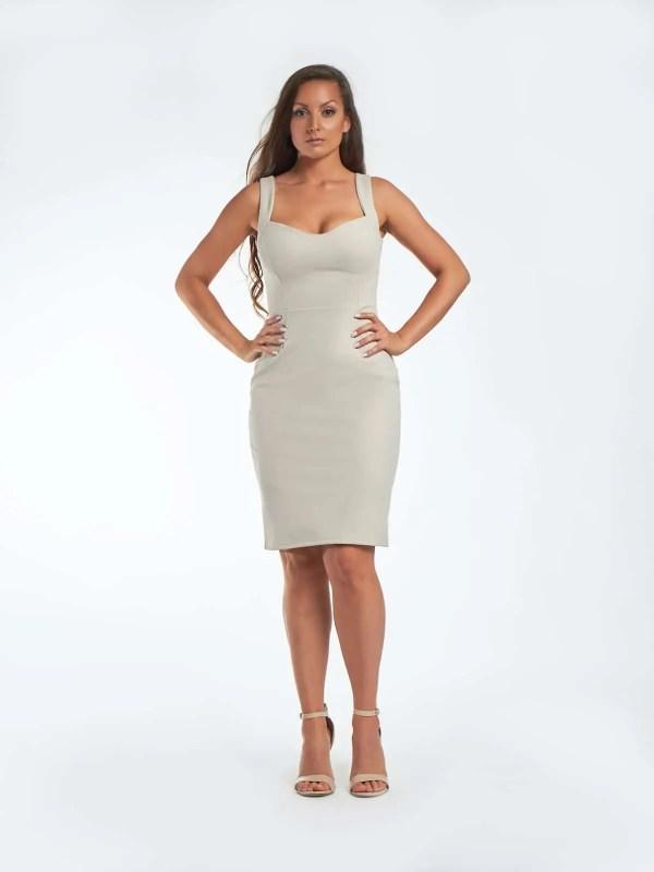 testhezálló mellrészes koktél ruha