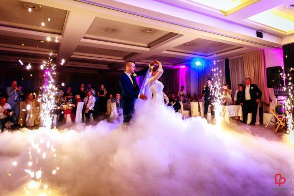 fontane d'artificio matrimonio primo ballo sposi con fumo pesante