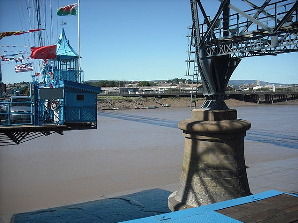 Gondola_and_pier,_Newport_Transporter_Bridge
