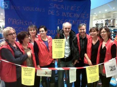 Philippe Poutou en soutien des salarié-e-s de la librairie Chapitre, le 22 février à Nantes