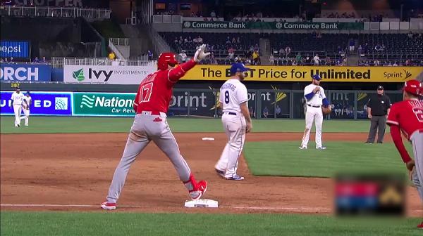 【海外の反応まとめ】エンゼルス大谷の三塁打に「まるでサラブレッドのように・・・」と驚愕する