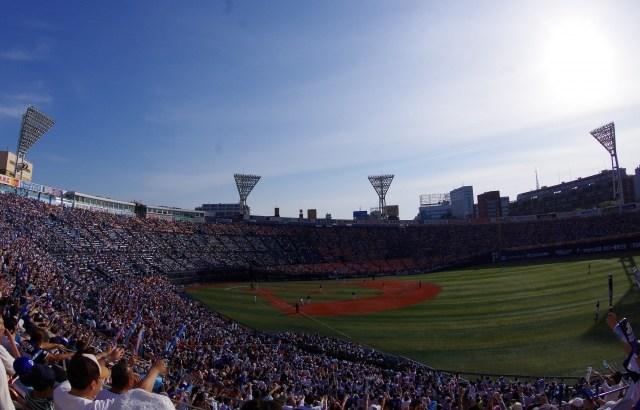 横浜スタジアム、さっさと中止 ZOZOマリン、多分強行する