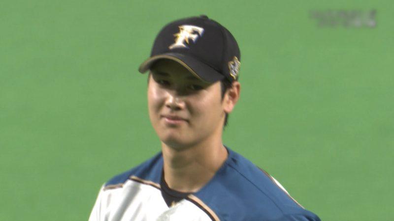 【悲報】大谷翔平、アウトコースのスライダーで何故かのけぞった細川を見て爆笑する(GIF)