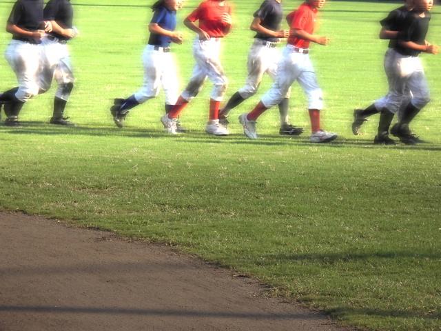 ドミニカ人「なぜ日本人は長時間野球の練習するんだ?」日本人「・・・」