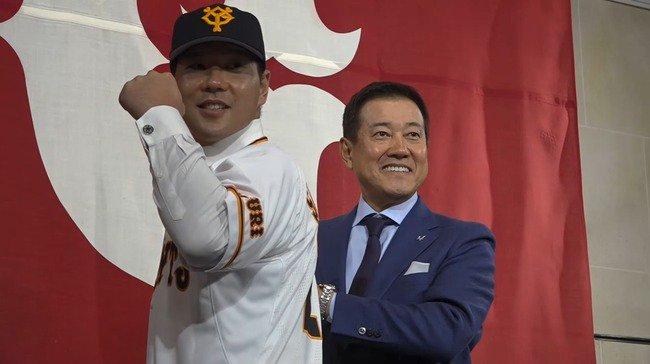 【悲報】炭谷銀仁朗さん、ネットの巨人ファンに叩かれ罪悪感を感じ内海に謝罪していた