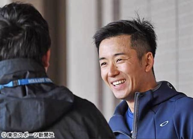 【悲報】日ハム斎藤佑樹さん、髪型を大胆にイメチェンしたのに誰にも触れられず
