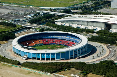 【朗報】ZOZOマリンスタジアム老朽化のため新球場建設含め検討開始