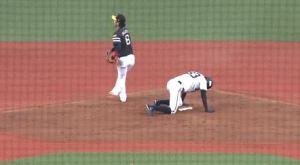 【GIF】オリックスさんの野球、あまりにも酷い・・・