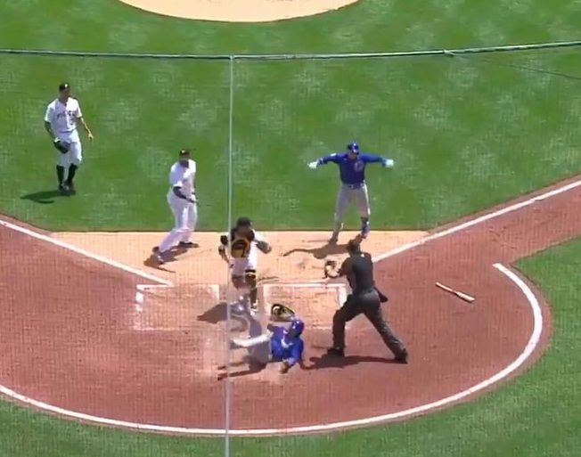 【動画】メジャーリーグ史上最低最悪の珍プレーが誕生する