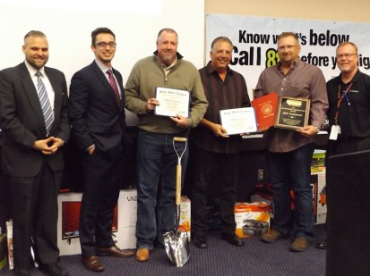 Stephen Sifuentes and Ken Minster gave the winners certificates of appreciation.