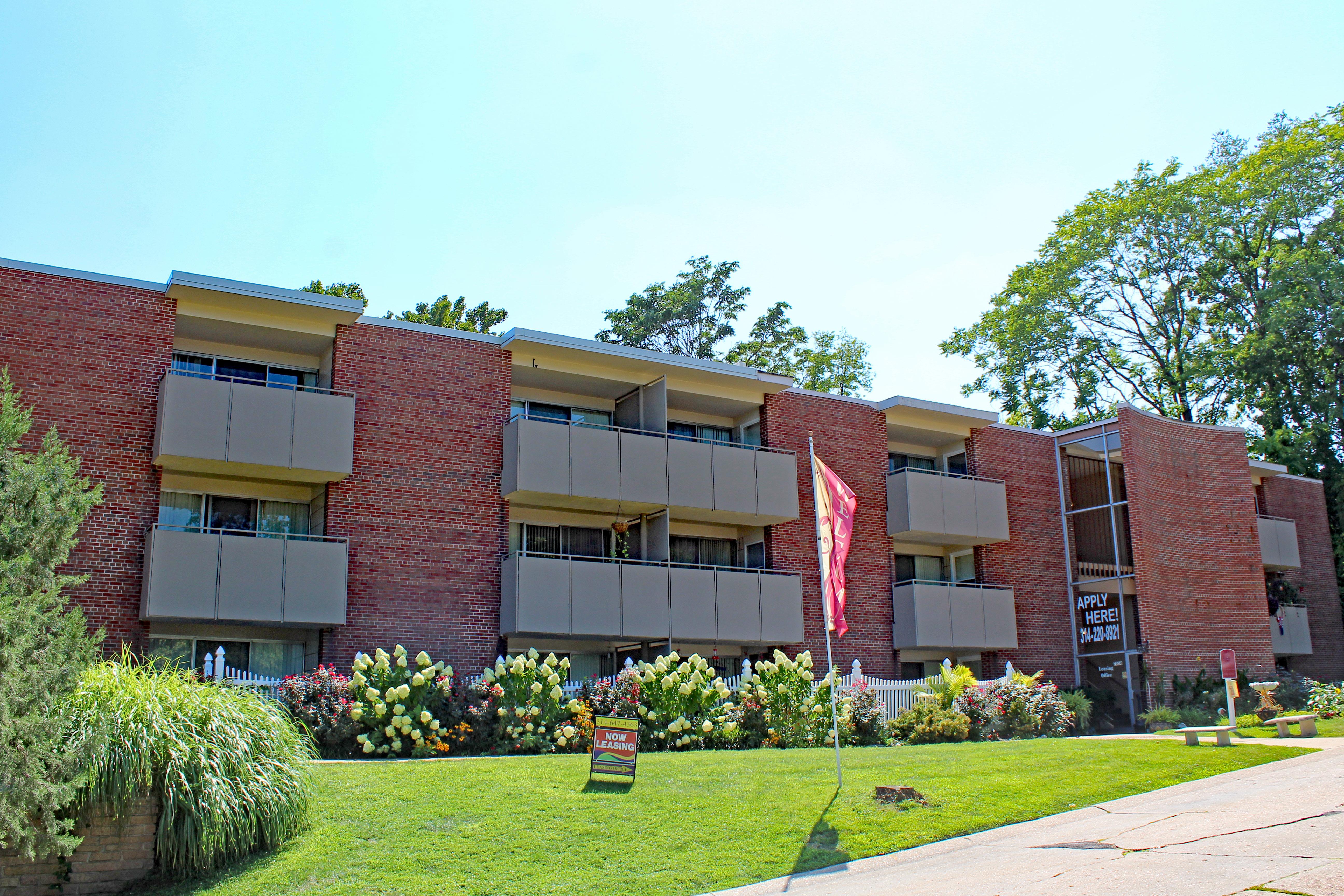 Geneva Apartments - National Real Estate Mgmt. Corp.