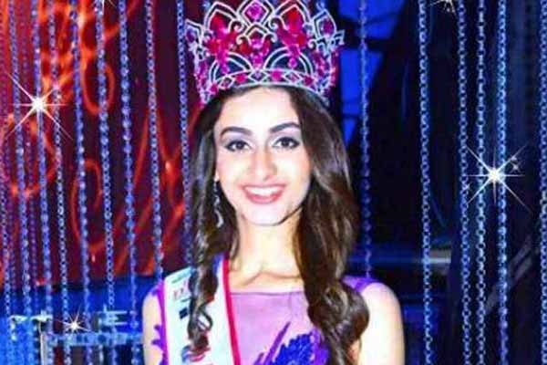 Delhi welcomes fbb Femina Miss India World 2015 Aditi Arya