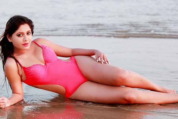 Sejal Mandavia from South got her new photo shoot done at Goa