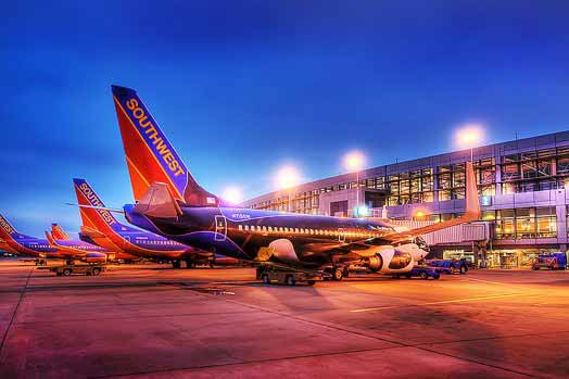 Fight between passengers causes flight to returns to Los Angeles
