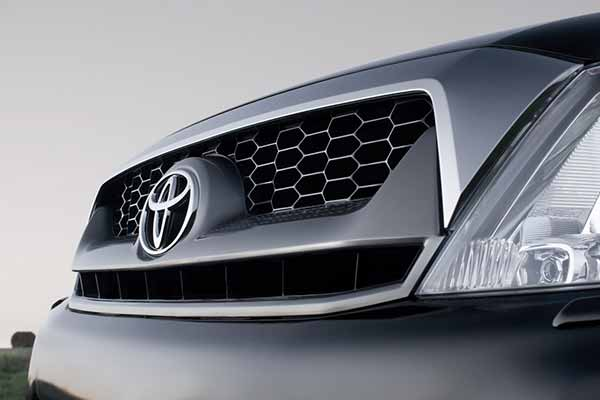 Toyota Kirloskar Motor sells 13,601 units in Oct 2015 against 12,556 units last year
