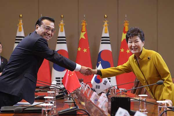 Chinese premier Li Keqiang arrives in Seoul for 3-way summit