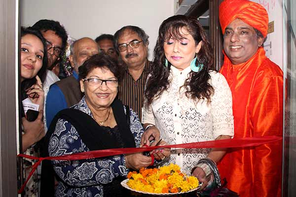 Saroj Khan and Tinaa Ghaai inaugurated Dada Saheb Phalke film foundation medical centre at Andheri West