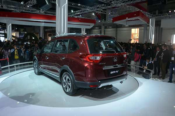 Honda BR-V makes its first appearance in India at Auto Expo 2016