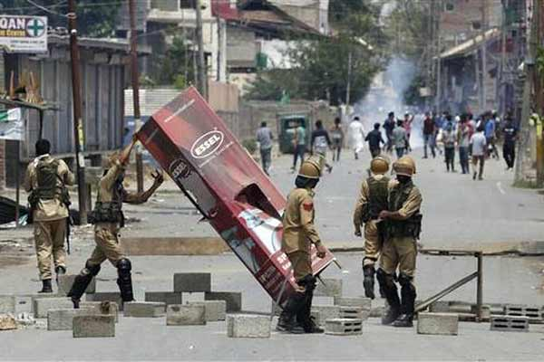 18 Cops injured in grenade attacks on police party in Jammu and Kashmir's Pulwama
