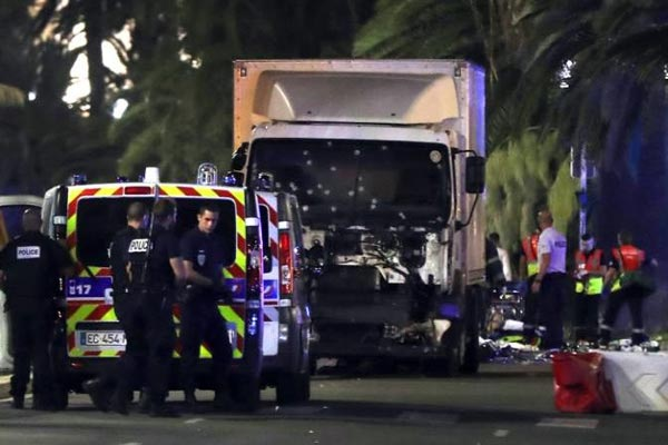 No signs of truck attacker being linked to extremist network