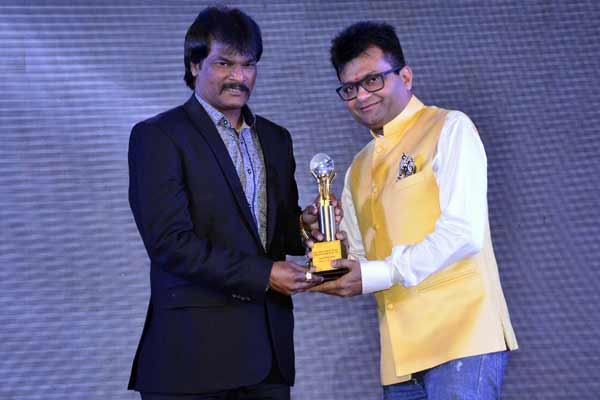 Aneel Murarka honored with entertainment trade achievers