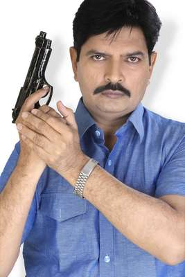 Well known advocate B R Sharma from Gujarat becomes an actor in Hindi film Miss Khiladi