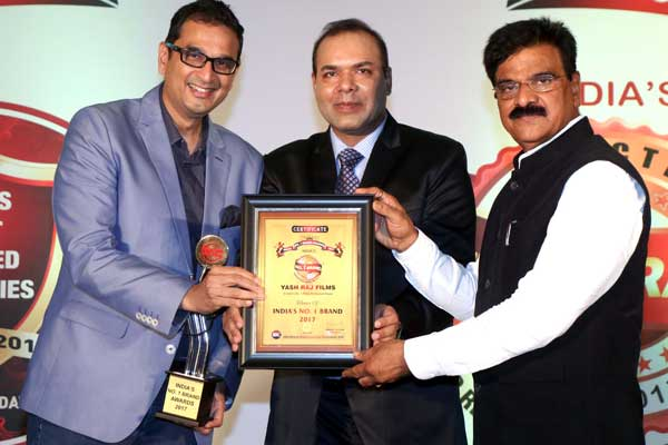 Celebs & other corporate came for India's Most Trusted Brand awards at Leela organised by Hemant Kaushik