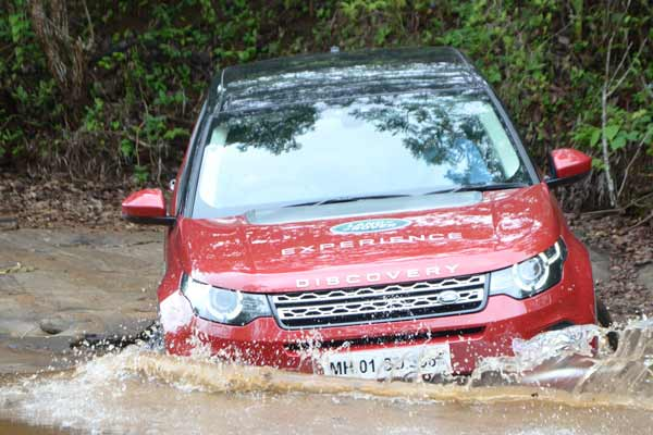 LAND ROVER ANNOUNCES A THRILLING OFF-ROAD DRIVE EXPERIENCE FOR CUSTOMERS IN CHENNAI