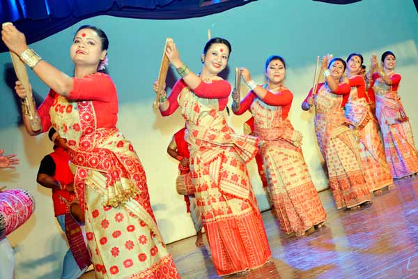 'Harmony' is in the air: A Cultural Blend of North-East India with West India