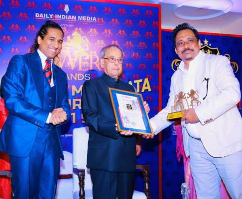 Bharatiya Manavata Vikas Puraskar given to Smile Foundation co-founder & nine others