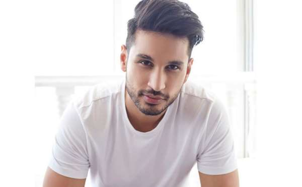 Arjun Kanungo to perform live at Phoenix Marketcity, Pune!