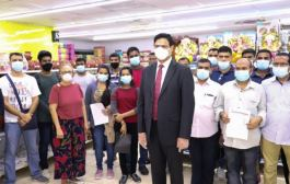 Masala King Dhananjay Datar's Helps Maharashtrian Families Stranded in Dubai to Return Home
