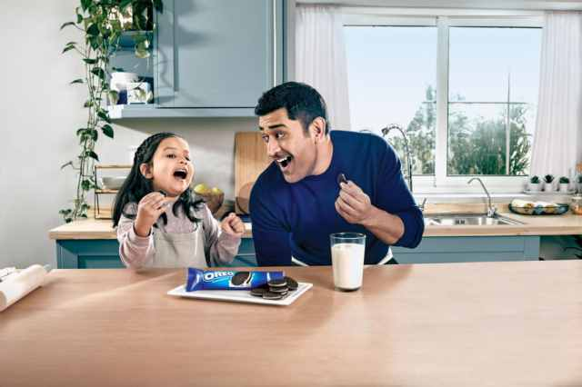For the Very First Time, Father-Daughter Duo MS Dhoni and Ziva, Join the Playful OREO Brigade For #OreoPlayPledge