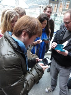 Yoshinori Ono Sharing his me with fans at the London St Pancras 3DS StreetPass Event (6)