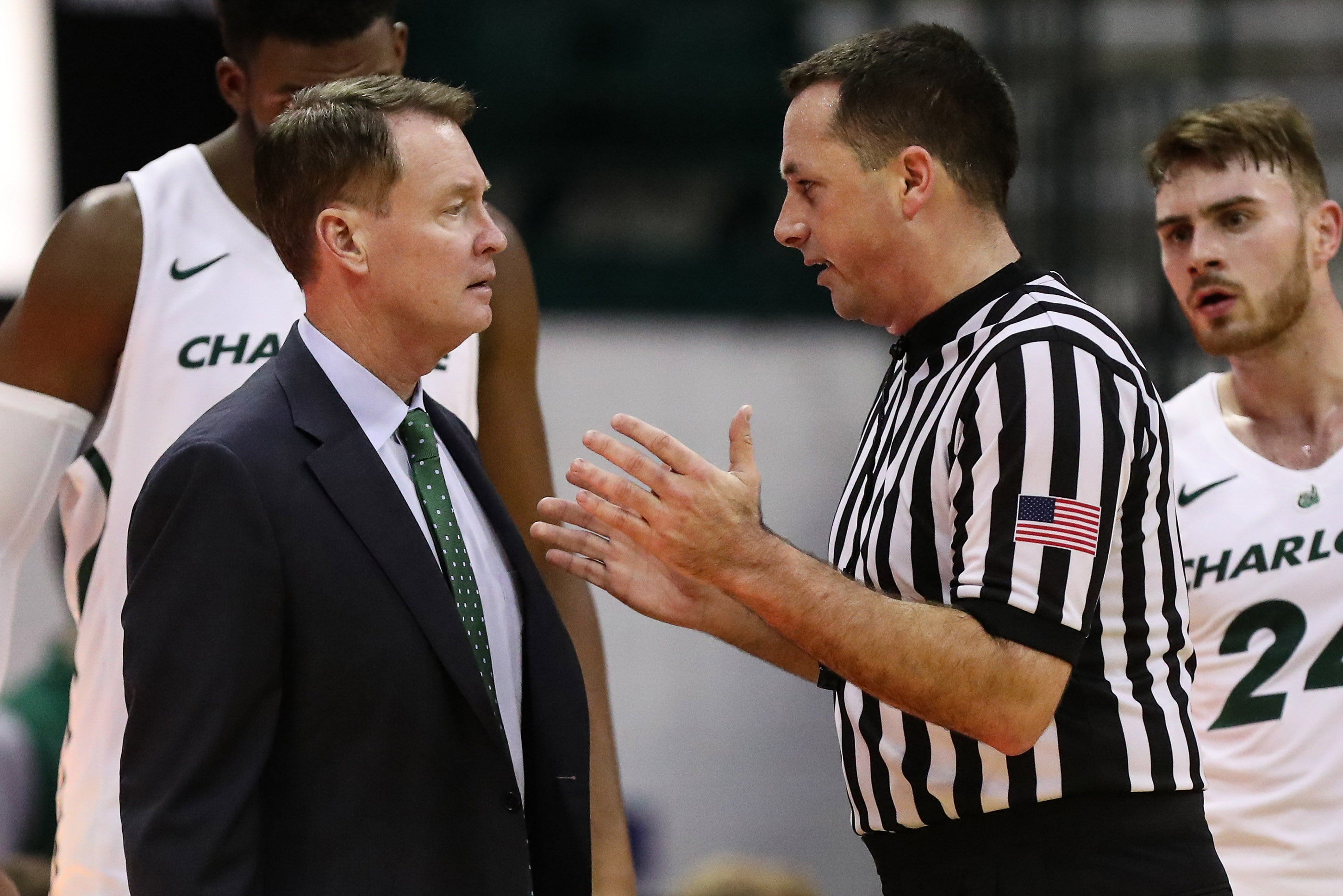 Charlotte fires former NBA All-Star Mark Price as 49ers men's basketball coach