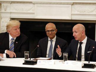 Donald Trump, Tim Cook, Satya Nadella, Jeff Bezos, Microsoft, Amazon, Pentagon, Cloud War