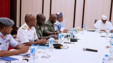 Photo of #EndSARS: Buhari Meets Defense Minister, Chief Of Defence Staff