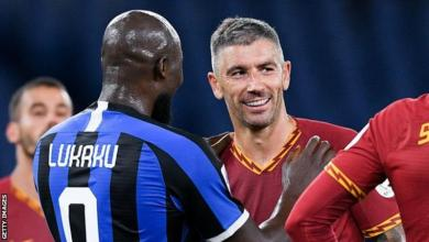 Photo of Aleksandar Kolarov: Inter Milan sign defender from Roma