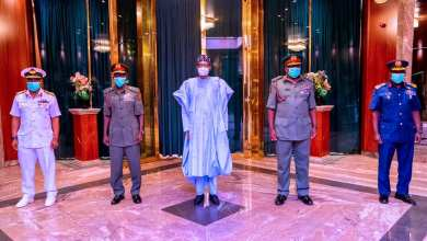 Photo of Buhari charges new Service Chiefs on patriotism