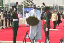 Photo of Buhari, Osinbajo pay respect to fallen heroes