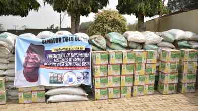 Photo of Effective Production: Sen. Tolu Odebiyi Empowers Hundreds Of Farmer