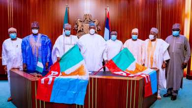 Photo of Your People will respect you more for having the Courage to join APC, Buhari tells Cross River, Zamfara Governors