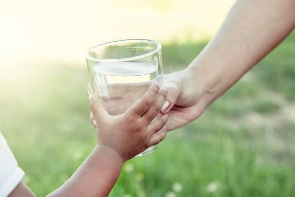 Agua apta para consumo humano: características principales