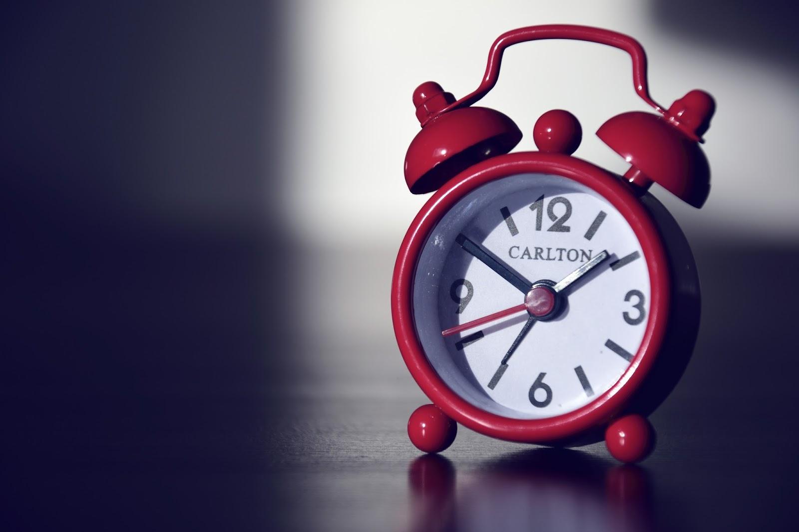 alarm-clock-590383