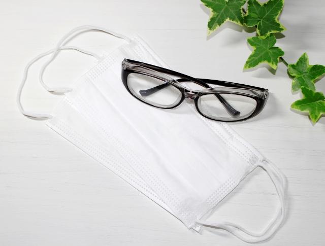 マスクでメガネがずれる!おすすめの2つの対処法を紹介します♪