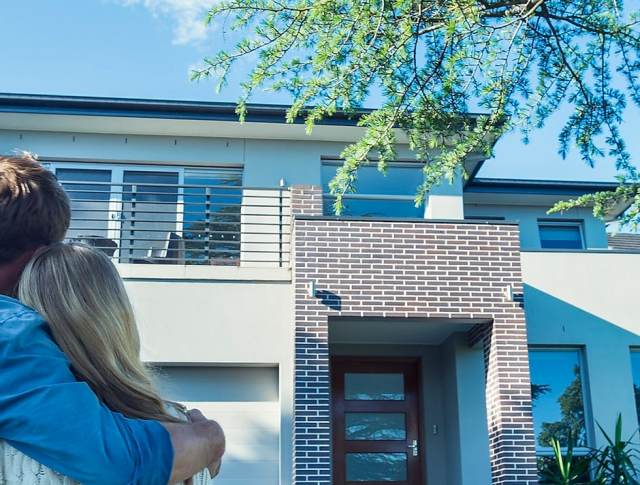According to an Expert, These Are the 6 Pitfalls to Avoid When Buying a Home