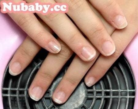 咬指甲矯正-護士也可以做璀璨凝膠了