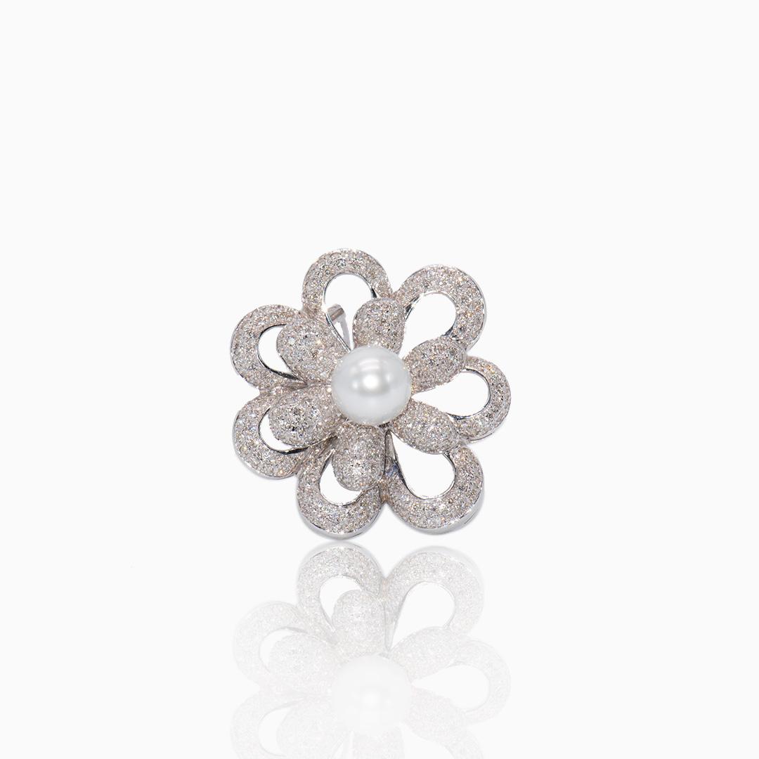 Broche Oro Blanco Perla Australiana y Diamantes en forma de Flor