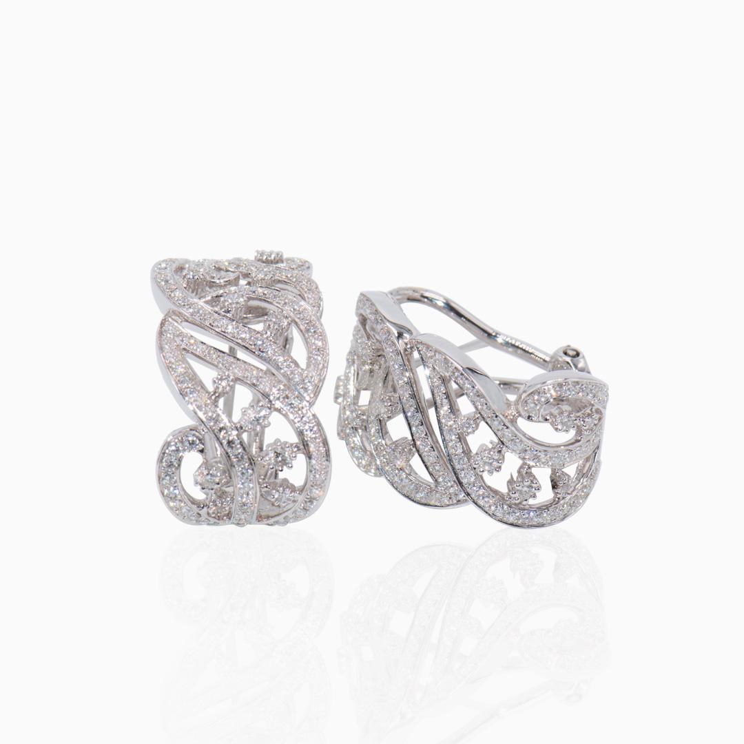 Pendientes Oro Blanco y Diamantes Medio Aro