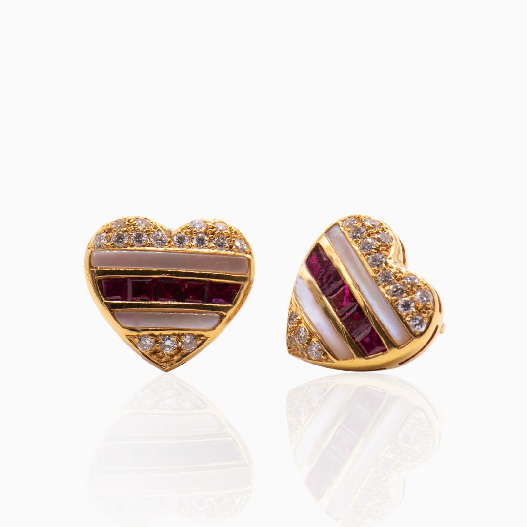 Pendientes de Oro Rubíes Diamantes y Nácar